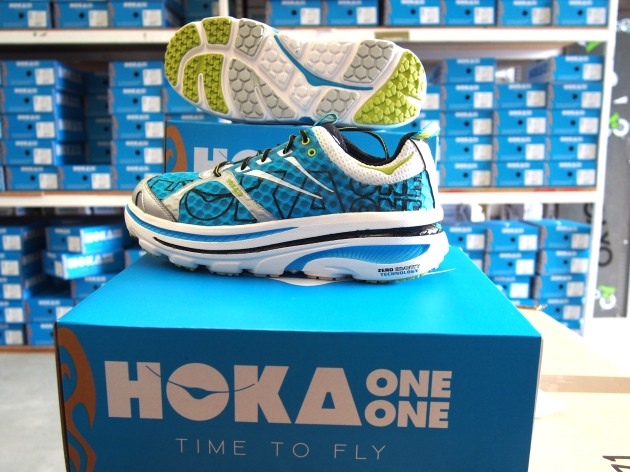 The new Bondi 2 is so HOT Hoka had to make it super-breathable. Feel the cooling breeze rush across your feet in this baby...